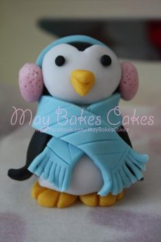 Marzipan Penguin Tutorial @Julie Hoiland Hansen lets make this happen for when I get married!!!!! :D