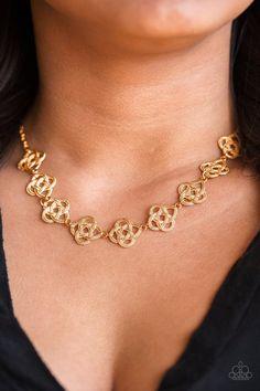 Gold Necklace & matching earrings only $5.  #jewelry #paparazzi #sahm #justneedwifi #ilovemyjob #workfromhome #joyeria #Collar #aretes