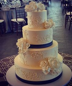 Swooning Over These Amazing Wedding Cakes - Cake: Confectionery Designs; Featured Photographer: Snap! Photography