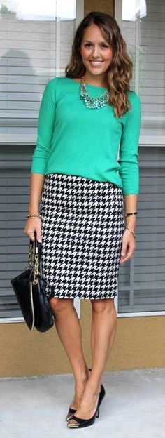 love pencil skirts with heels and the pop of color really makes it.