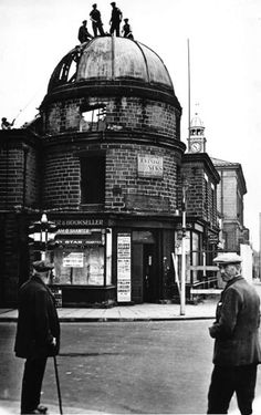 Hawley's Tower Glossop Building being demolished. Domesday Book, South Yorkshire, Sea Level, Local History, Derbyshire, Vintage Photos, Monochrome, New Homes, Tower