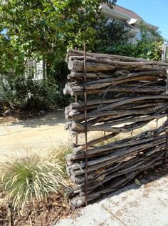 Reo and manuka fence/barrier