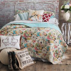 Western Quilts, Comforters, Bedding Sets and Bedroom Accessories Western Quilts, Western Rooms, Western Bedding, Western Decor, Country Bedding, Bedroom Furniture, Bedroom Decor, Bedroom Ideas, Master Bedroom