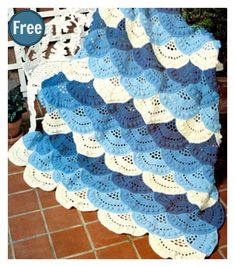 Lace Ocean Scallop Afghan Free Crochet Pattern #freecrochetpatterns #afghan