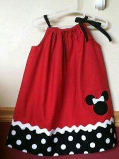 Minnie Mouse pillowcase dress with a matching headband Little Dresses, Little Girl Dresses, Girls Dresses, Sewing For Kids, Baby Sewing, Fashion Kids, Toddler Dress, Baby Dress, Sewing Clothes