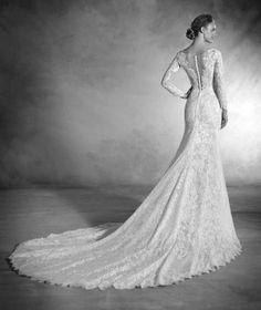 Nenufar - Vestido de novia en chantilly, tul y encaje y escote pico