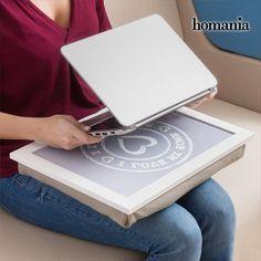 8,00€ · Bandeja-cojín para portátil y tablet I Love My Home by Homania · ¡Descubre un gran invento que te hará la vida más fácil, la bandeja-cojín para portátil y tablet I Love My Home by Homania!  Bandeja de madera y cojín de algodón con relleno de microesferas Cojín y bandeja unidos, no se pueden separar Estilo vintage Medidas aprox.: 43 x 33 x 6 cm · Electrónica > Informática > Tablets / E-books > Tablets y accesorios > Soportes para tablets