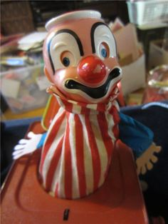 $48.00  MATTEL TOY CLOWN JACK IN THE BOX 1953 MUSIC Box TED DUNCAN DECOR by LOUIS SONG kitschy toy kookykitsch.com Scary Photos, Retro Kids, Jack In The Box, Send In The Clowns, Old And New, Kid Stuff, Ted, Childhood, Boxes