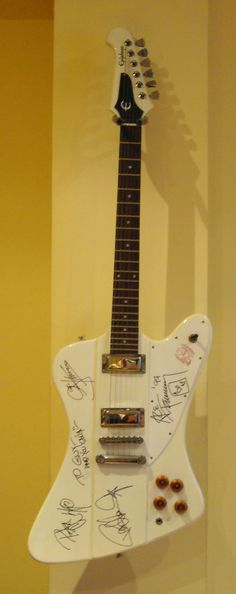 Guitarra de Kiss @Kissofficial
