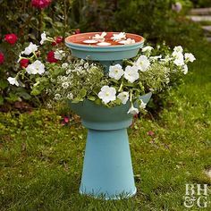 a Backyard Birdbath Garden! A birdbath is not just for birds to take a little swim in—use it for so much more!A birdbath is not just for birds to take a little swim in—use it for so much more! Bird Bath Planter, Bird Bath Garden, Diy Bird Bath, Garden Pots, Bird Bath Fountain, Garden Junk, Garden Water, Indoor Garden, Garden Crafts