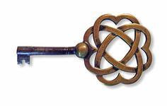 CFA Voysey Woven Hearts Key