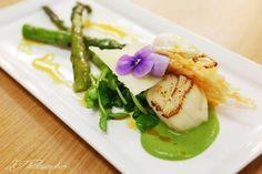 #menus #starters #weddings Seared scallops with minted pea puree
