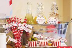 Para quem gosta de festas delicadas e despretensiosas pode apostar em temas sutis como a festa do aviãozinho que trouxemos para você hoje.