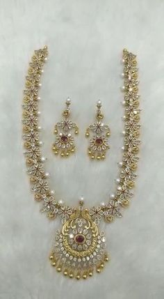 Silver Wedding Jewelry, Gold Jewelry Simple, Silver Jewellery Indian, Bridal Jewelry Sets, Bridal Jewellery, Wedding Rings, Pearl Necklace Designs, Gold Earrings Designs, Gold Chain Design