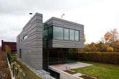 Family House In Kunratice / Aulík Fišer Architects