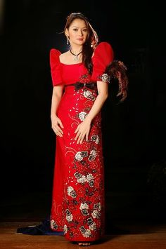 A traditional Filipino dress is long, similar to a traditional Islamic dress. However, these Filipino dresses have high shoulders and short sleeves. Islamic dresses are long sleeved and usually have a head piece to wear with it. Filipiniana Wedding, Filipiniana Dress, Filipino Fashion, Asian Fashion, Philippines Outfit, Off Shoulder Gown, Thinking Day, Traditional Dresses, Modern Traditional