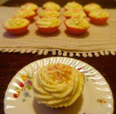Rhubarb & Custard Cupcakes | KitchenSpells