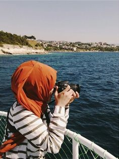 รูปภาพ camera, girl, and hijab