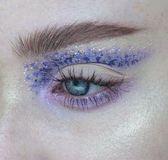 Purple eyes shadows