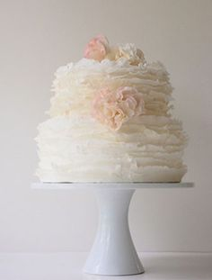 TEXTURED WEDDING CAKE WITH HYDRANGEAS | Steal Jessica Biel and Justin Timberlake's Wedding Style!