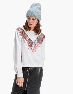 T-shirt with sequins - Just in | Stradivarius Greek - Winter Sale