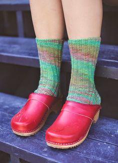 Knitting Socks, Hand Knitting, Clogs, Merino Wool Socks, Comfy Socks, Walt Whitman, Women's Feet, Latest Fashion Clothes, How To Look Pretty