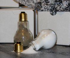 Ideas DIY para reciclar bombillas - salero y pimentero
