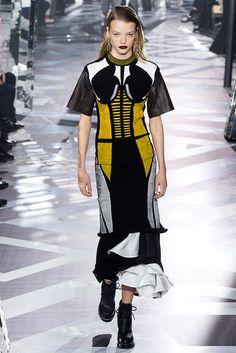 Louis Vuitton - Pasarela   Galería de fotos 27 de 55   VOGUE