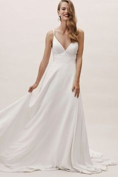 32 Less Formal Minimalist Wedding Dresses For Intimate Weddings! – Praise Wedding Source by koskarsdotter Plain Wedding Dress, Making A Wedding Dress, Classic Wedding Dress, Dream Wedding Dresses, Bhldn Wedding Dresses, Bride Dress Simple, Stunning Wedding Dresses, Modest Wedding, One Shoulder Wedding Dress