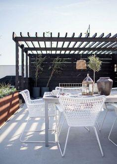 Une terrasse aménagée comme un jardin - Marie Claire Maison