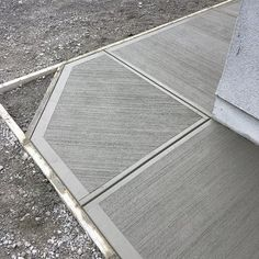 Beautiful Concrete Finishing Ideas - Engineering Discoveries Concrete Stepping Stone Molds, Concrete Pathway, Diy Concrete Patio, Concrete Formwork, Concrete Tools, Concrete Patio Designs, Concrete Steps, Concrete Driveways, Concrete Structure