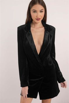 The Cara Velvet Blazer Dress is the perfect little tuxedo dress. It's double breasted with button closures and fully lined. Looks killer with pointed Lace Blazer, Velvet Blazer, Blazer Dress, Jacket Dress, Black Long Sleeve Dress, Dress Black, Blazer Pattern, White Shift Dresses, Tuxedo Dress