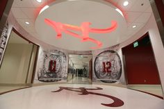 Hallway in football facilities@ Alabama.or Bama man cave? Alabama Crimson Tide, Crimson Tide Football, Alabama Football, College Football, Funny Audio, Football Rules, University Of Alabama, Southern Tide, Roll Tide