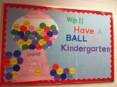 Welcome Back Kindergarten Bulletin Board...would work do preschool classrooms also:)