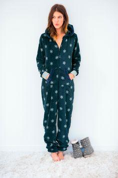 Cocooning vive les pyjamas, combinaisons et chaussons tout doux