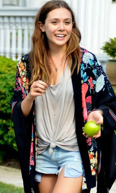 I Dont Wanna Follow Your Trends - Review Elizabeth Olsen