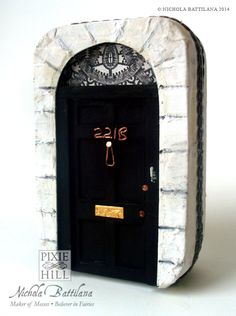 I am Sherlocked - 221B Baker Street Altoid Tin - MISCELLANEOUS TOPICS - Knitting, sewing, crochet, tutorials, children crafts, papercraft, jewlery, needlework, swaps, cooking and so much more on Craftster.org