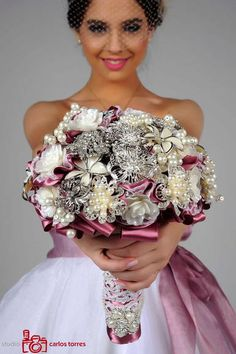 Stunning and sparkling brooch wedding bouquet Bouquet Bling, Beaded Bouquet, Crystal Bouquet, Button Bouquet, Wedding Brooch Bouquets, Bride Bouquets, Floral Wedding, Marie, Wedding Inspiration