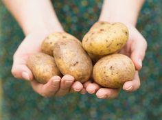 Najväčšia chyba, ktorú mnohí robia: Nevylievajte šťavu zo zemiakov, dokáže neskutočné veci!