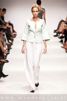 anelia peschev  SS 15 Ss 15, Pants, Fashion, Trouser Pants, Moda, La Mode, Women's Pants, Fasion, Women Pants