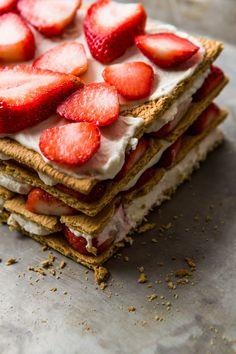 strawberry icebox cake //