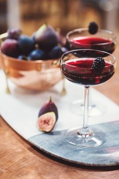 blackberry fall wedding cocktail