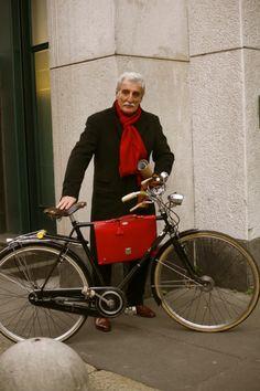 Let's see...fine bike? Check. Fine mustache? Check.