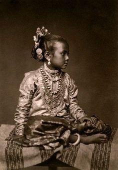 A portrait of a young Tamil girl - Eliza Ruhamah Scidmore ca. 1907