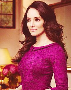 Victoria Grayson from revenge, newest hair inspiration! Madeleine Stowe is an amazing actress from Los Angeles, California. She come from a prominent family in Costa Rica. Classic Actresses, Beautiful Actresses, Victoria Grayson, Madeleine Stowe, Mature Women Fashion, Famous Women, Mode Style, Classy Outfits, Beautiful People