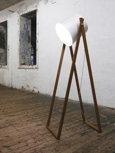 Lampe sur pied contemporaine en aluminium STUDIO 360° HUTTNERS