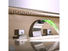 Robinet salle de bain à LED Mélangeur en laiton SANAGA