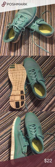 NEGOTIABLE Blue Nike Tennis Shoes 8.5 Blue Nike Tennis Shoes 8.5 Nike Shoes Athletic Shoes