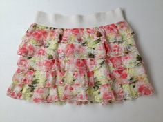Girls size 10 Justice Skirt... OMG SOOOOOOO ADORABLE!!!!!!!!! Floral but a skirt!