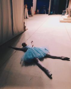 Me, after the dance recital is over and the kids have all finally left. Dance Recital, Dance Class, Shall We Dance, Just Dance, Anime In, Yoga Bewegungen, Yoga Posen, Dance Poses, Ballet Tutu